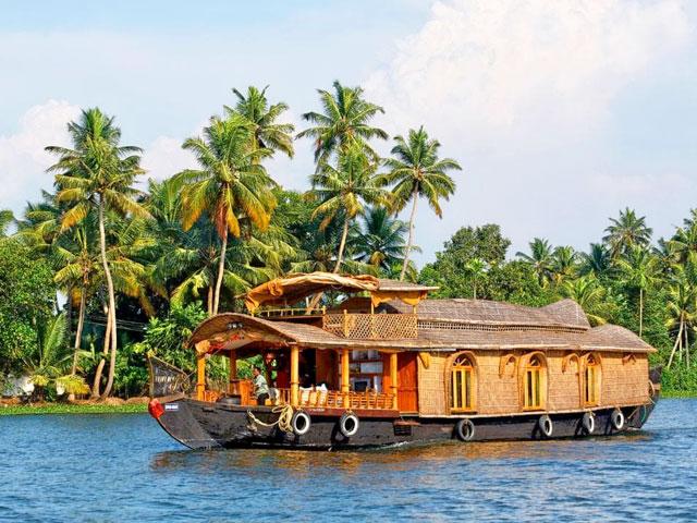 Top Reasons to visit Kerala in india