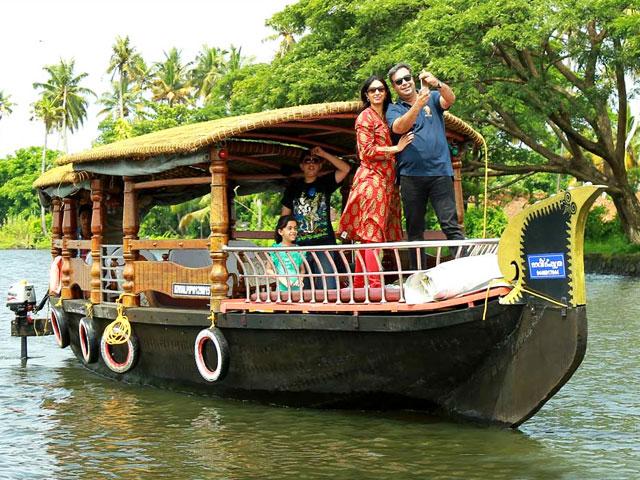 Things to do in Kerala- Kerala Backwaters Tour