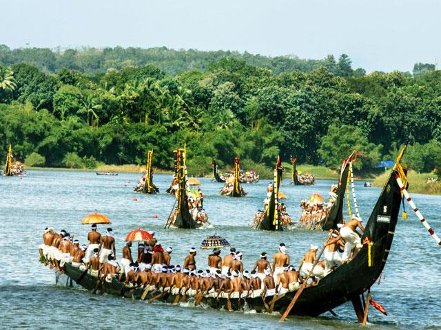 Things to do in Kerala- Snake Boat Race in Kerala