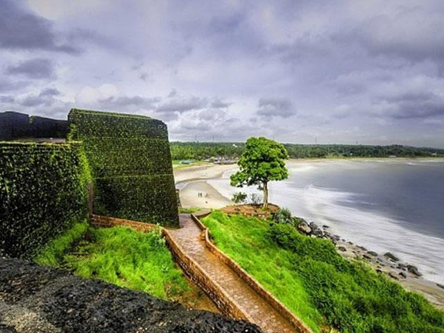 things to see in kerala- Bekal Fort Tour in Kerala
