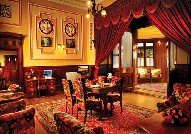 honeymoon at Ferrnhills Royal Palace in Ooty