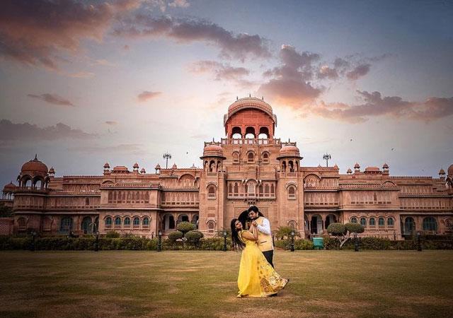 Couple at Laxmi Niwas Palace Bikaner