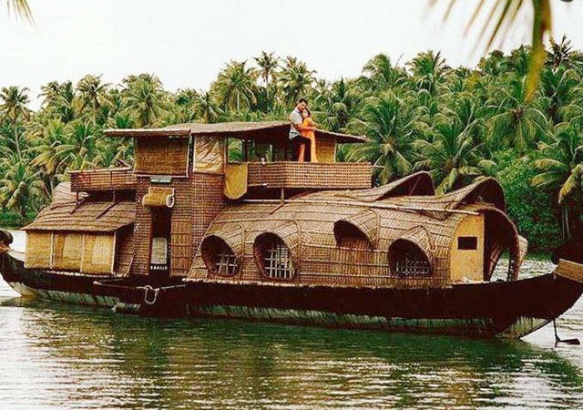 Romantic Places to Go on Valentine Day in alleppey in kerala