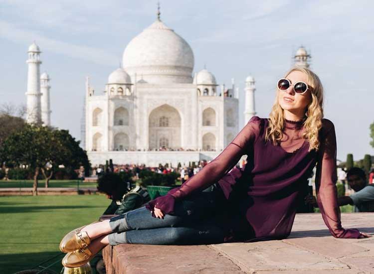 Enjoy at Taj Mahal, Agra