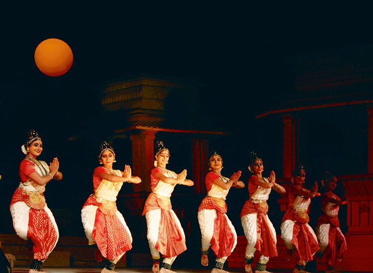 khajuraho dance festival in khajuraho: places to visit in winter season in india