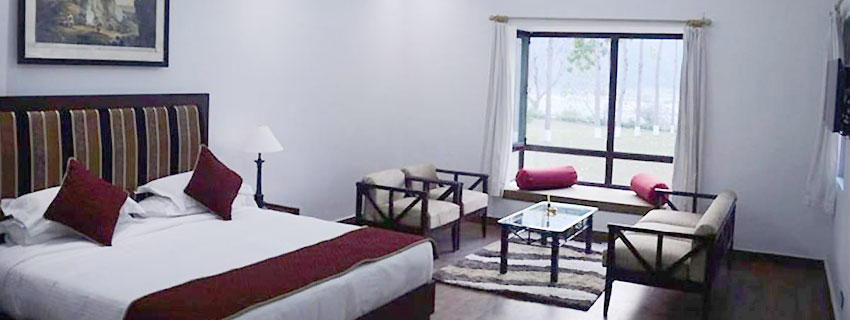 Corbett_Ramganga_Resort_Bed_Room