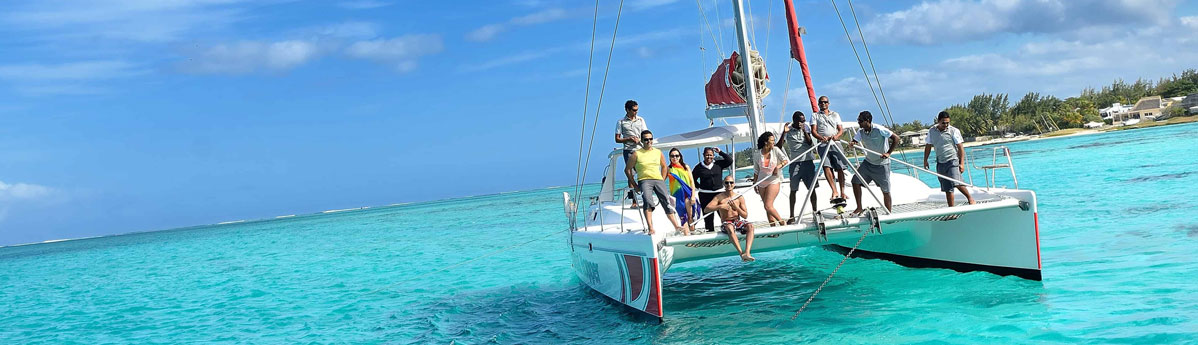 aux-cerfs-by-a-speed-boat-mauritius