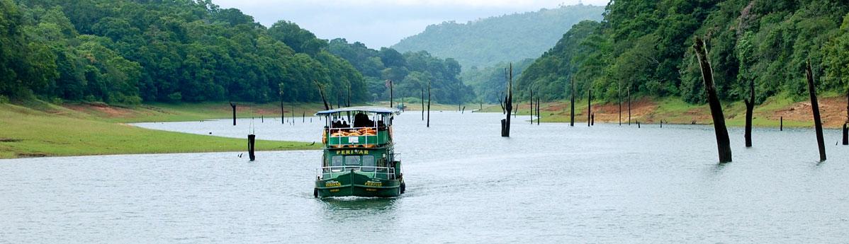 boating-on-periyar-lake