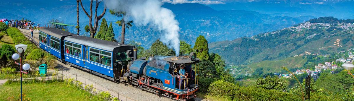 train-darjeeling