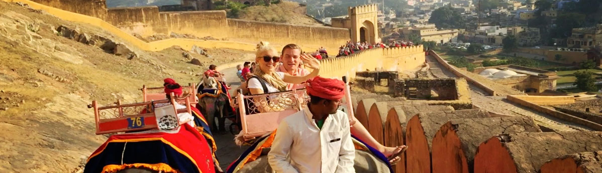 amber-fort-elephant-ride