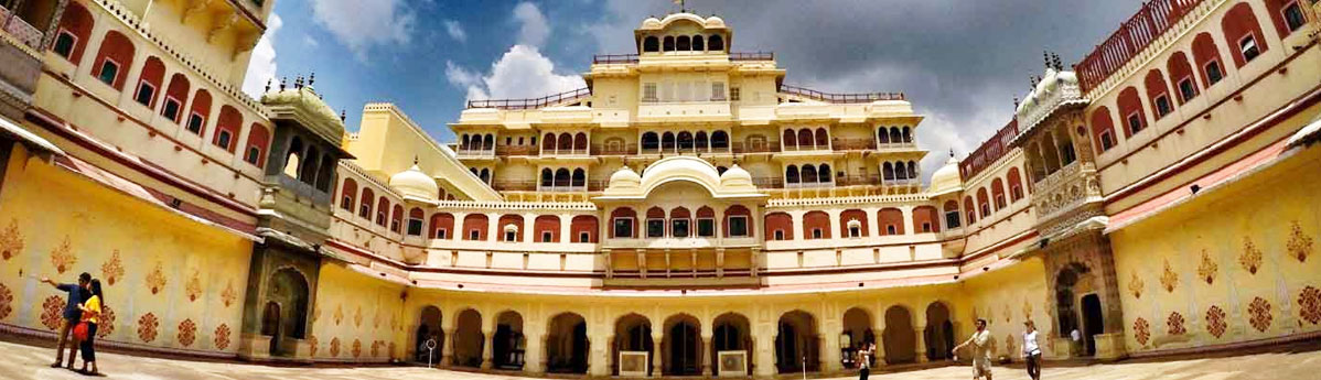 city-palace-in-udaipur