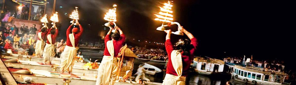 Ganga-Aarti-in-varanasi