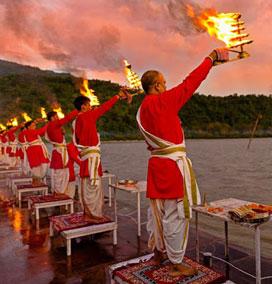 Triveni Ghat Maha Aarti, Rishikesh